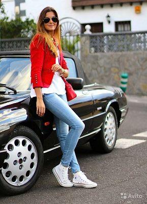 кеды с узкими джинсами