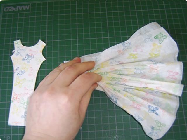 платье из бумажных салфеток 5