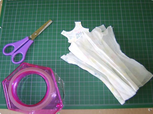 платье из бумажных салфеток