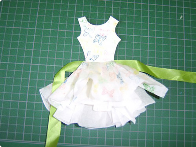 Открытка к 8 марта платье из салфеток