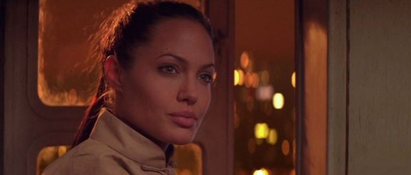Кадр из фильма Лара Крофт