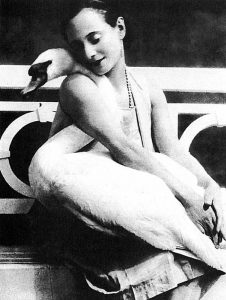 bfi-anna-pavlova-with-jack-the-swan_1000_thumb[3]