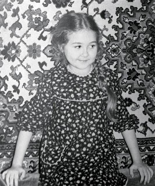 Василиса Володина в детстве