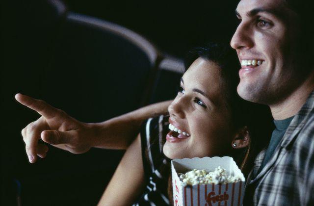 С женой в кино
