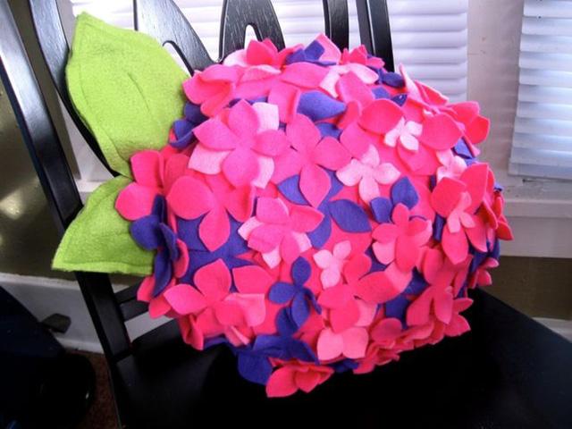 Подушки цветы своим рукам 191