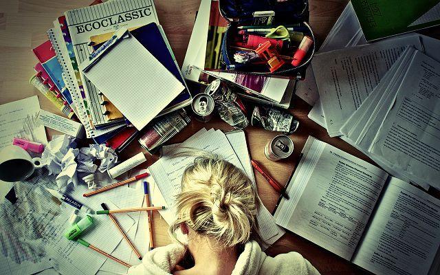 Чтение книг утомляет