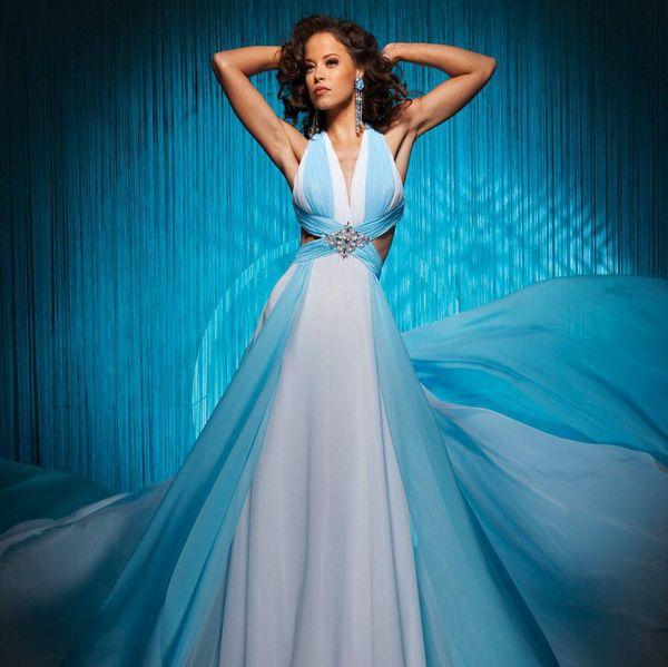платье голубое с белым