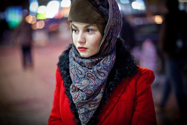Классический вариант как носить платок