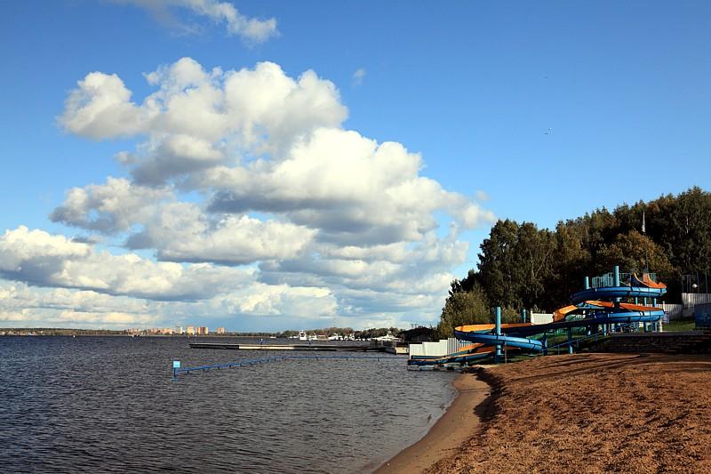 яхт-клубе под названием «Новый берег» 2