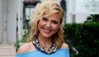 Пелагея в голубом платье