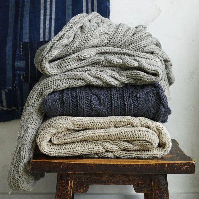 Серые предметы гардероба