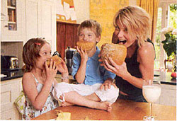 Идеальная семья Юлии Высоцкой картинка