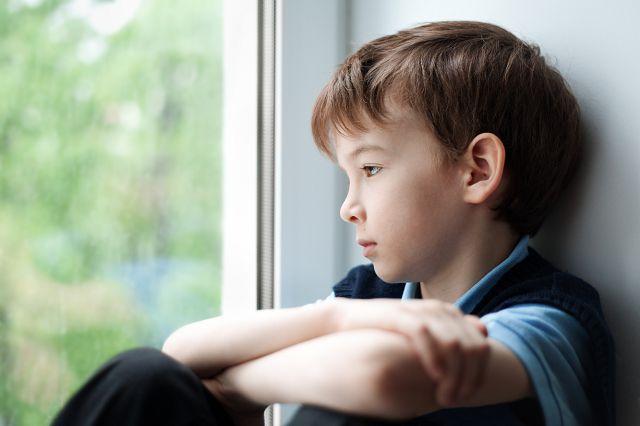 причины замкнутости у детей дошкольного возраста
